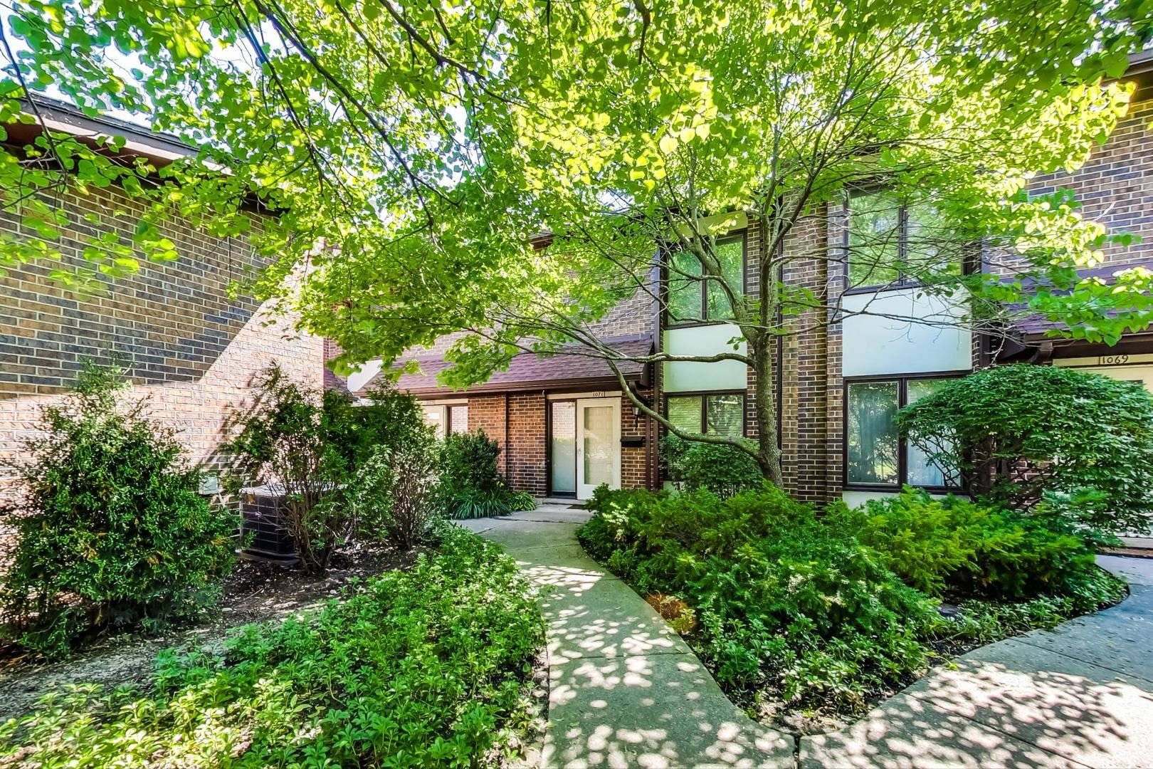 1075 Deerfield Place, Highland Park, IL 60035 - #: 10765034