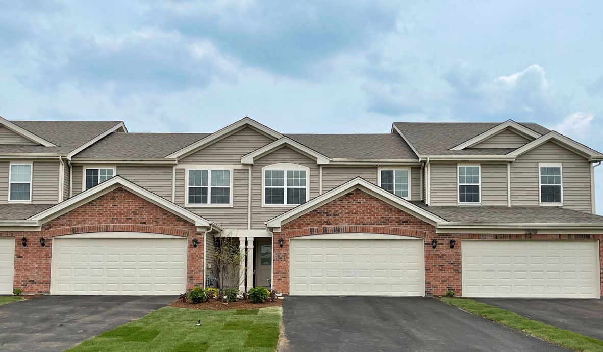 18 West Lake Court, Cary, IL 60013 - #: 11208034