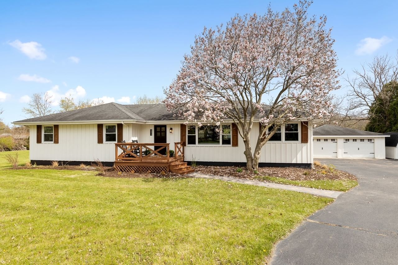 Photo of 16439 S LILY CACHE Road, Plainfield, IL 60586 (MLS # 11077035)