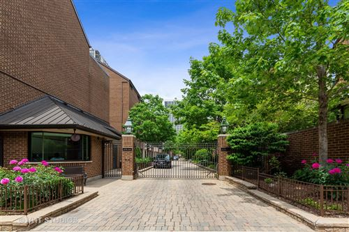 Photo of 1308 N Sutton Place, Chicago, IL 60610 (MLS # 10775036)