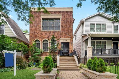 Photo of 4224 N Wolcott Avenue, Chicago, IL 60613 (MLS # 11146038)