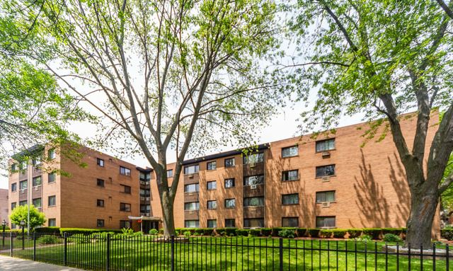 1600 W Greenleaf Avenue UNIT 202, Chicago, IL 60626 - #: 10404038