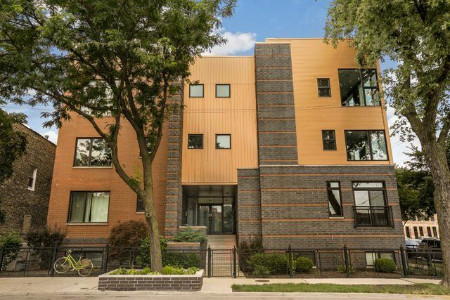 Photo for 950 West Cullerton Street #B, Chicago, IL 60608 (MLS # 10585041)