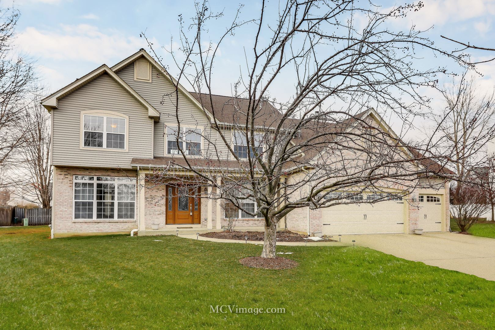 614 Highview Court, Oswego, IL 60543 - #: 10705044