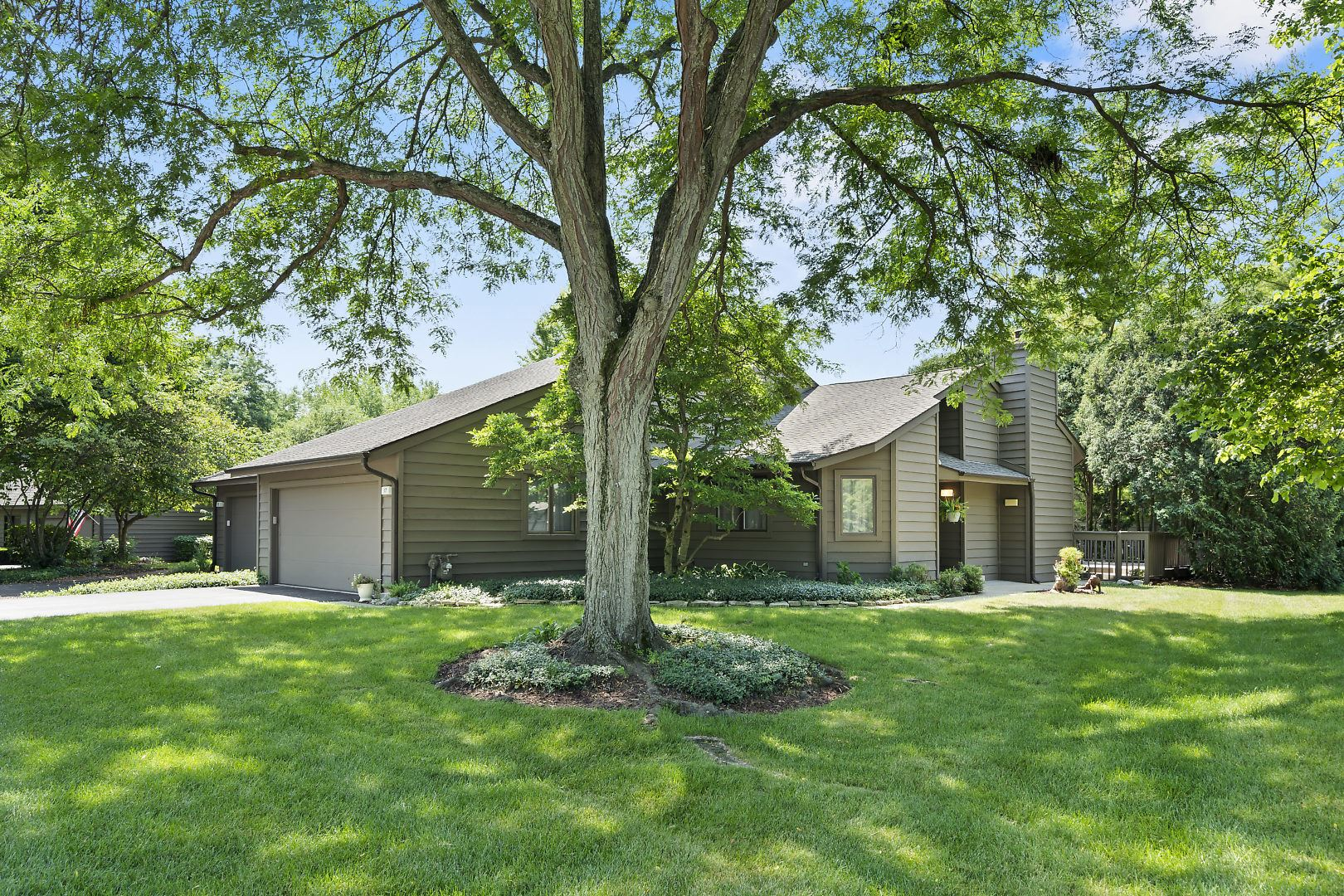 17 Lakewood Circle, Saint Charles, IL 60174 - #: 10773044