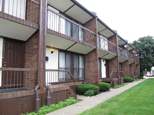 Photo of 1982 Green Bay Road, Highland Park, IL 60035 (MLS # 11049045)