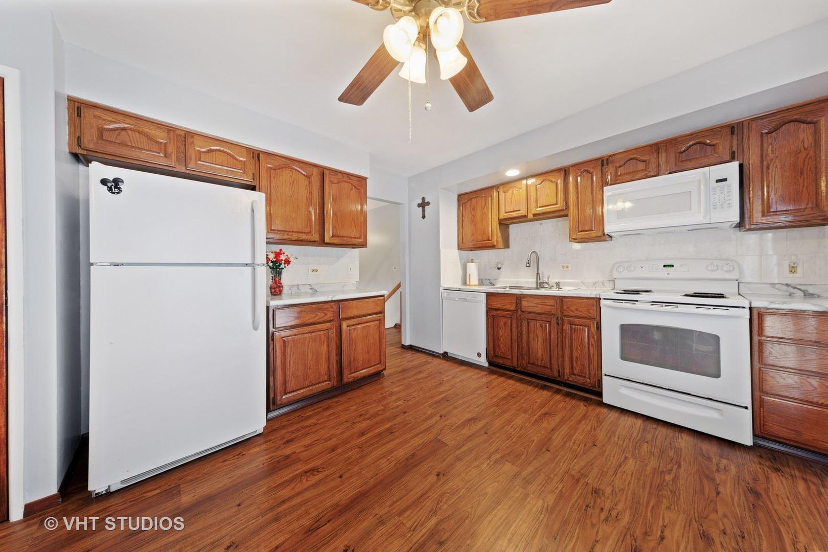Photo of 549 N Ashbury Avenue, Bolingbrook, IL 60440 (MLS # 10970049)