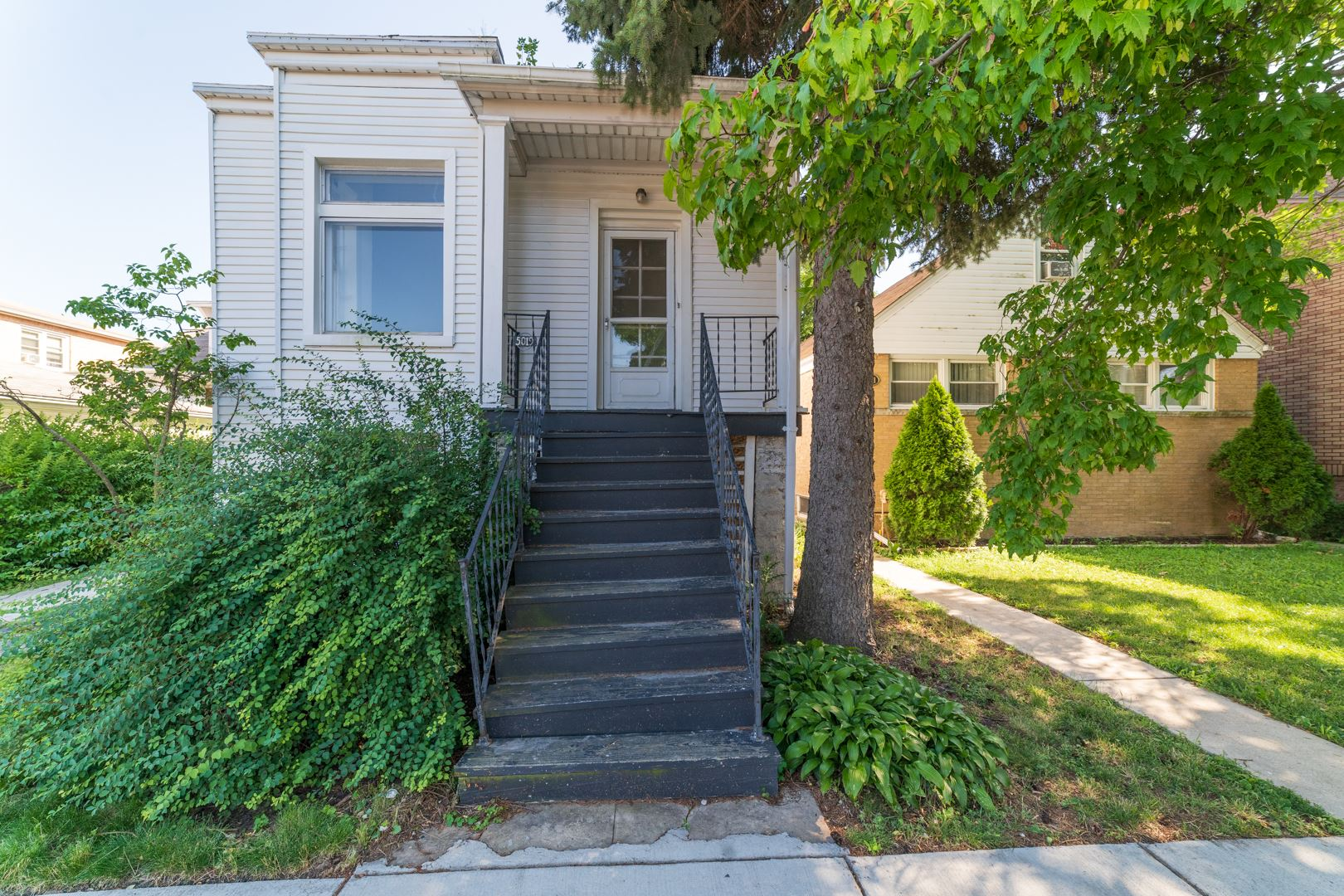 5019 W CORNELIA Avenue, Chicago, IL 60641 - #: 10680050
