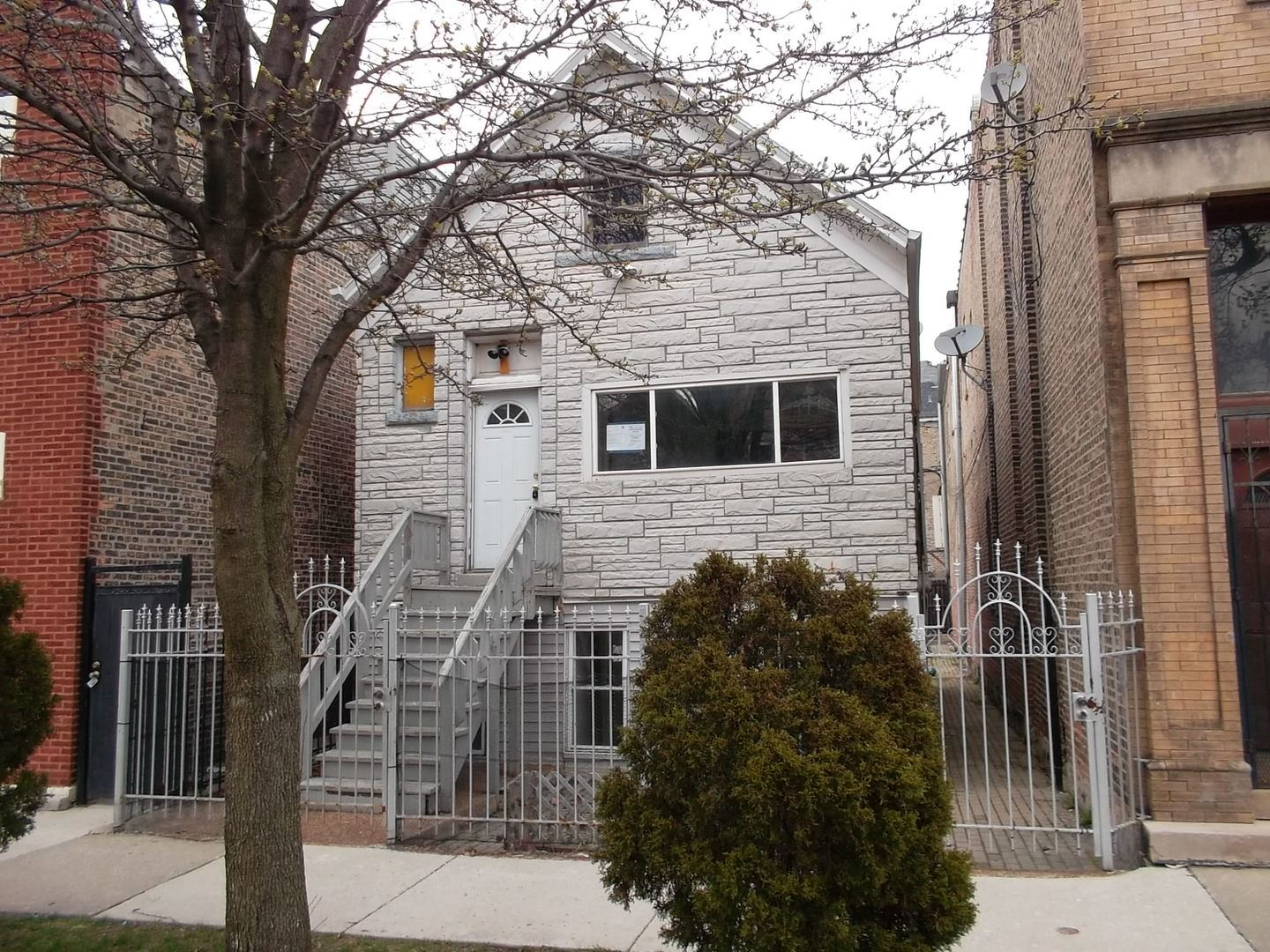 3238 W 23rd Street, Chicago, IL 60623 - #: 10690052