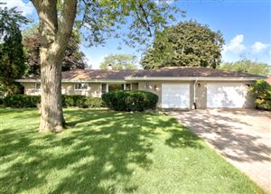 Photo of 4202 Seeley Avenue, DOWNERS GROVE, IL 60515 (MLS # 10494053)