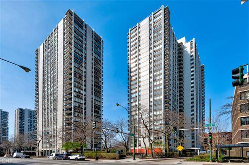 Photo of 1460 N Sandburg Terrace #2411, Chicago, IL 60610 (MLS # 11049064)