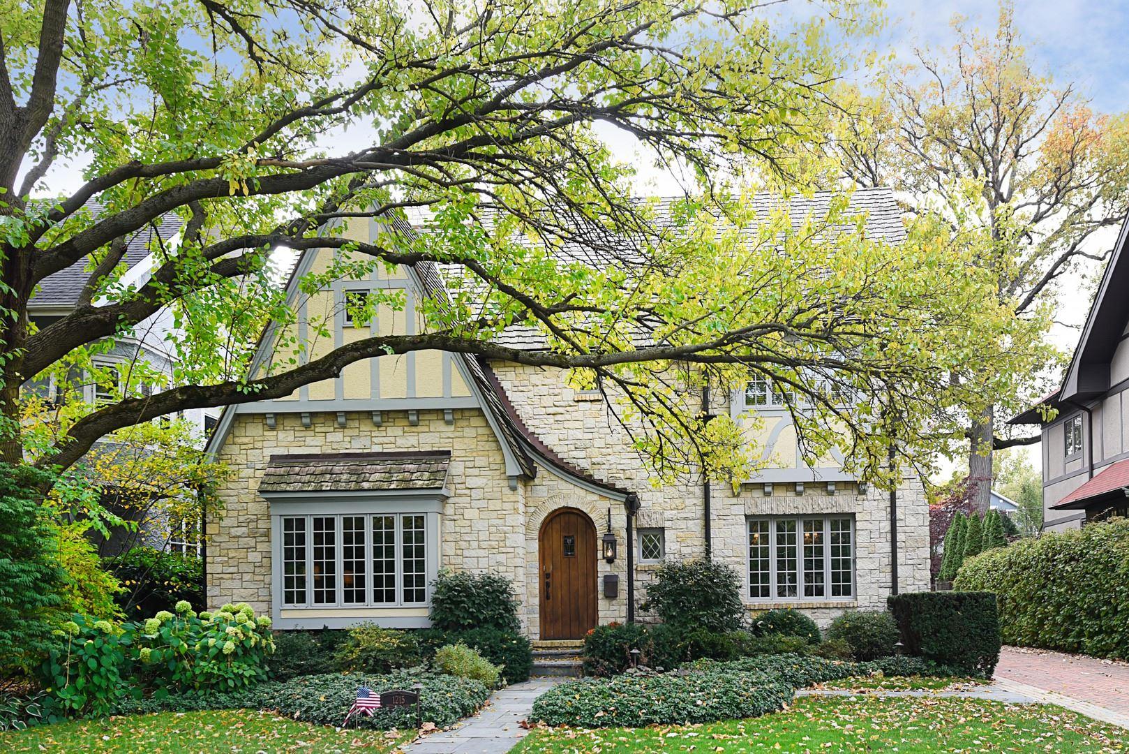 Photo for 1215 Greenwood Avenue, Wilmette, IL 60091 (MLS # 10908064)