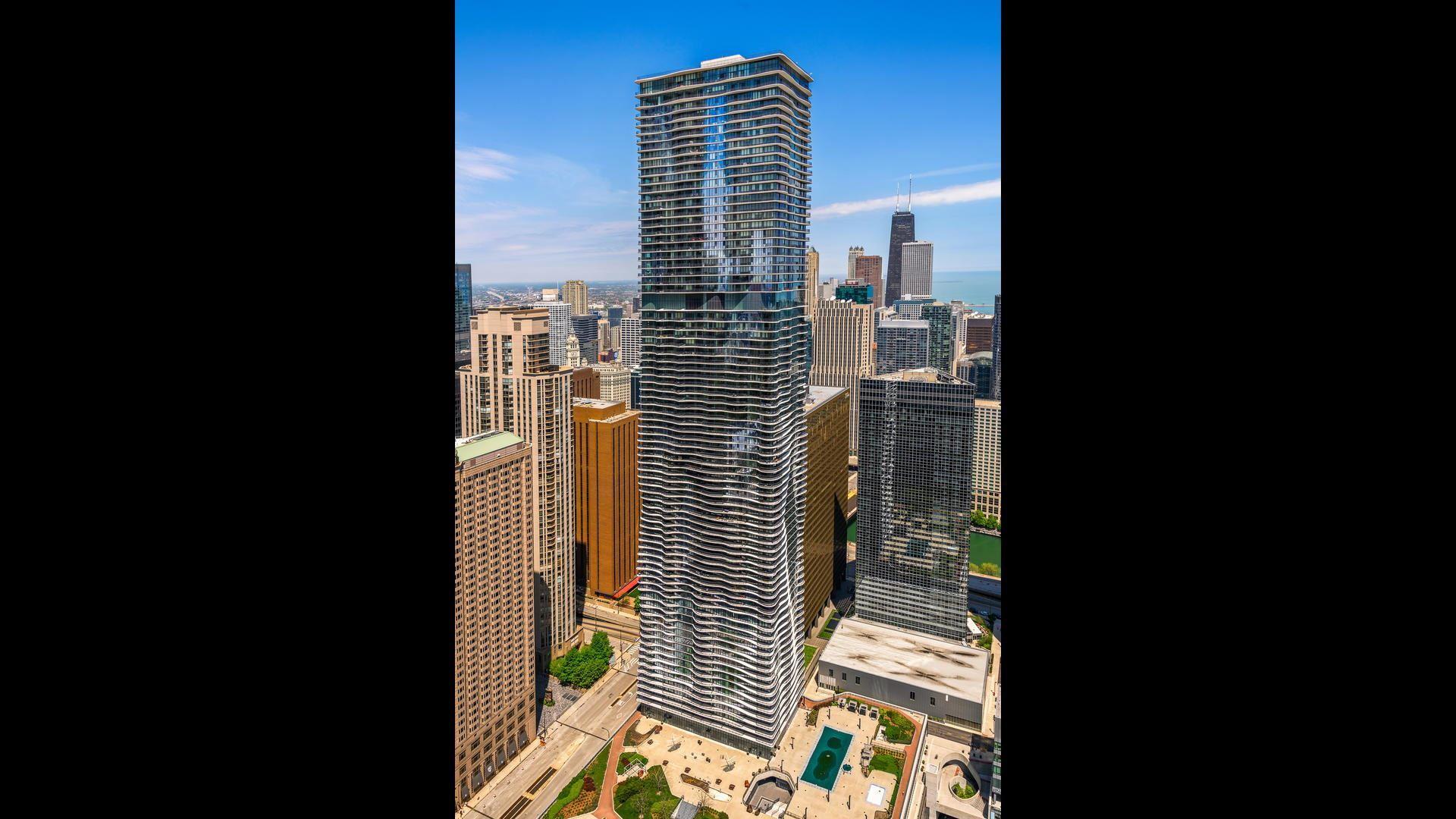225 N COLUMBUS Drive #6102, Chicago, IL 60601 - #: 10756066
