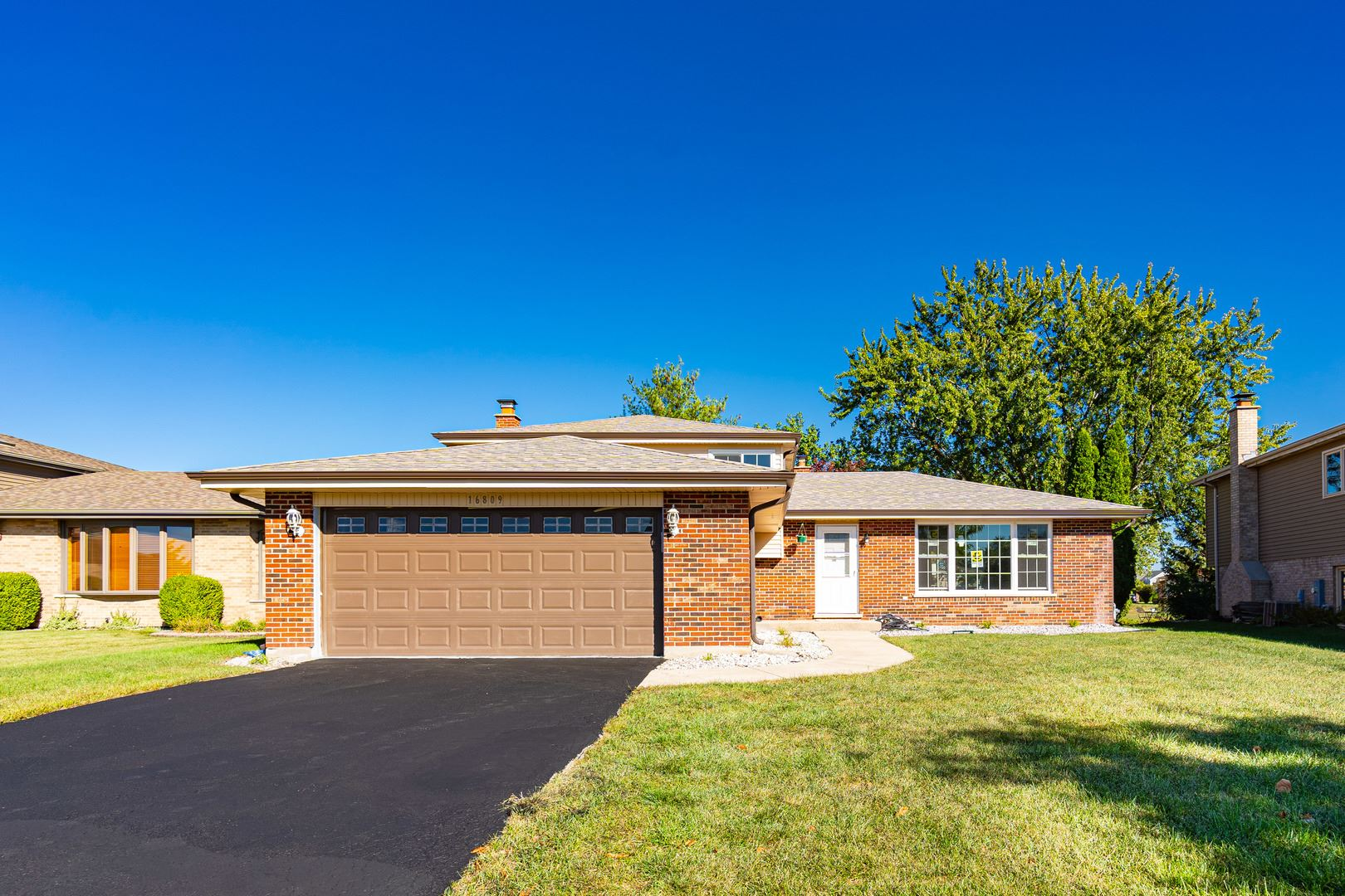 16809 Creekside Avenue, Tinley Park, IL 60487 - #: 11237066