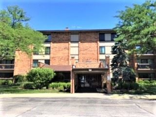 Photo of 77 Lake Hinsdale Drive #204, Willowbrook, IL 60527 (MLS # 10811067)