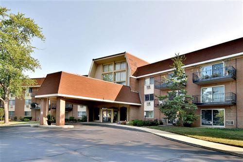 Photo of 1198 Royal Glen Drive #216, Glen Ellyn, IL 60137 (MLS # 11218068)