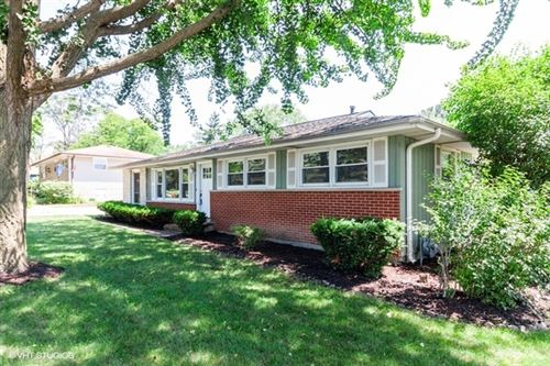 Photo of 5823 Clarendon Hills Road, Clarendon Hills, IL 60514 (MLS # 10774069)