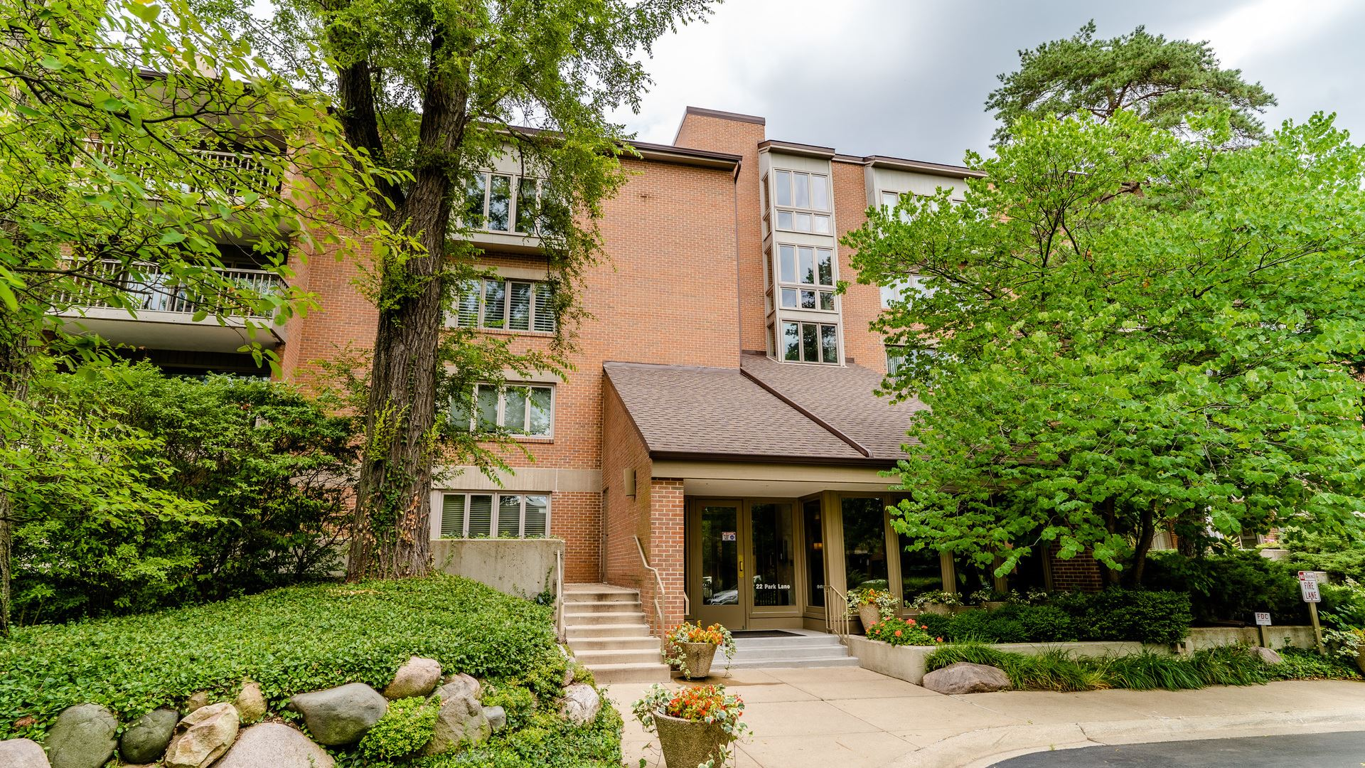 22 Park Lane #211, Park Ridge, IL 60068 - #: 10802073