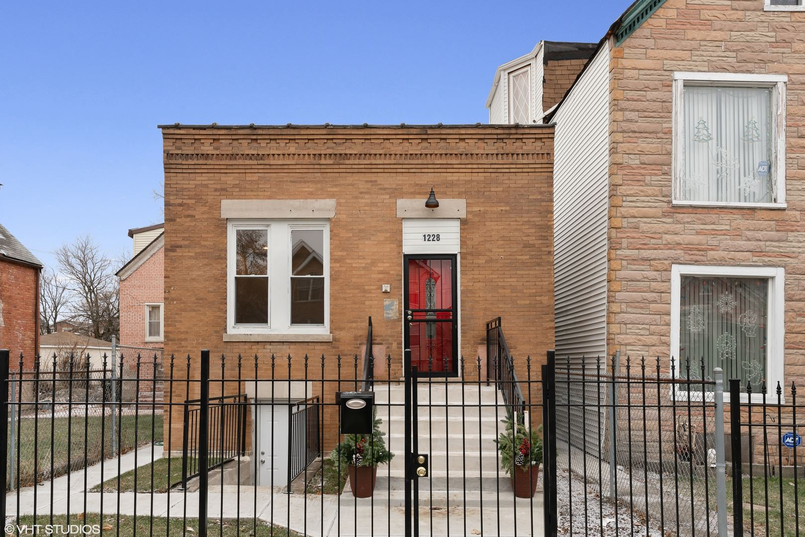 1228 S Tripp Avenue, Chicago, IL 60623 - #: 10754075