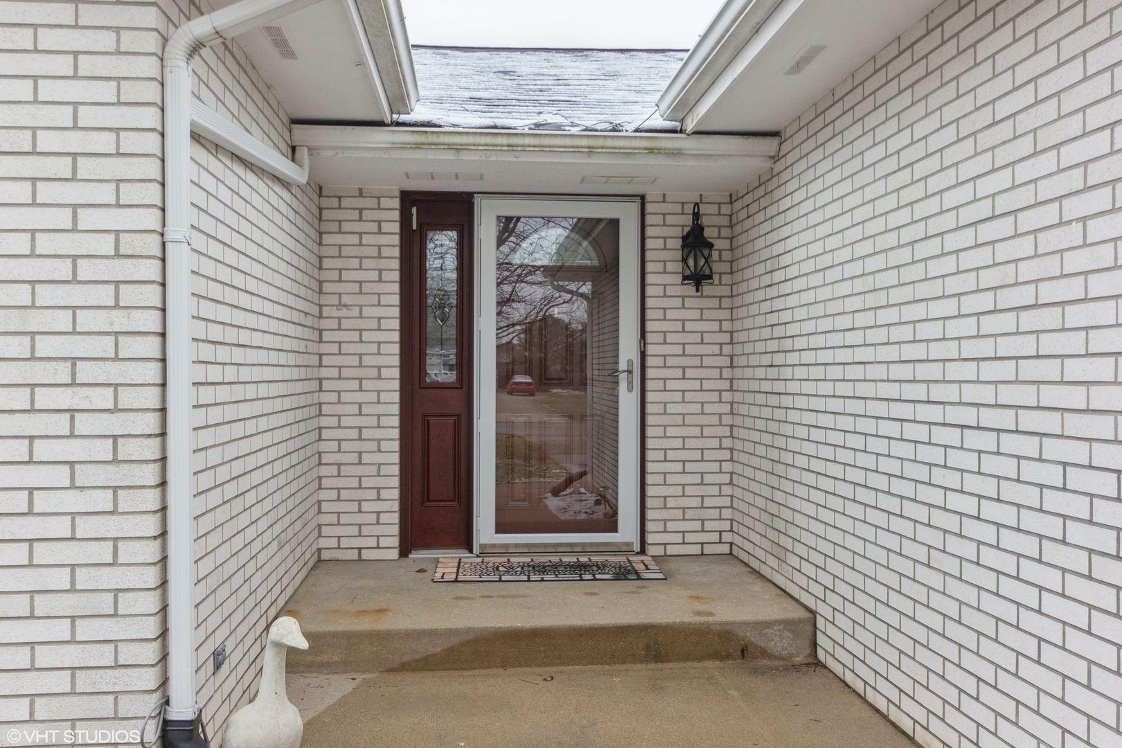 Photo of 21437 S LAKEWOODS Lane, Shorewood, IL 60404 (MLS # 11066076)