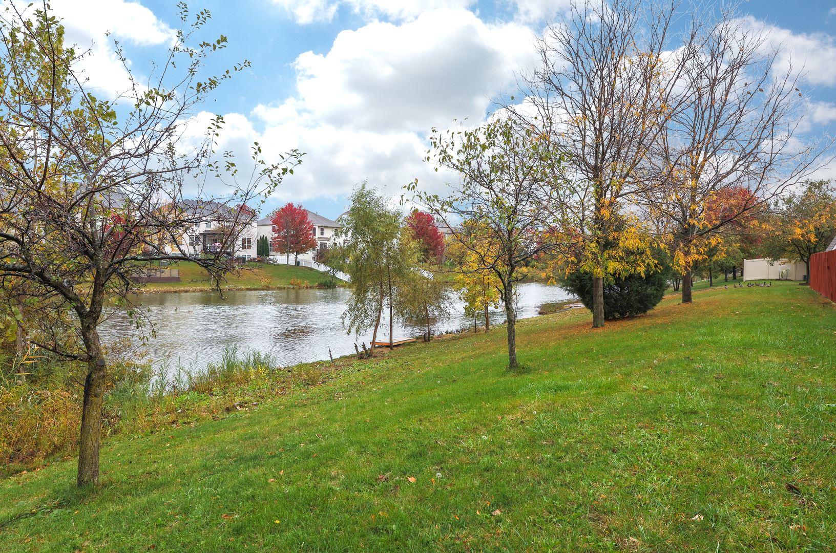 Photo of 324 Homewood Drive, Bolingbrook, IL 60440 (MLS # 10913077)