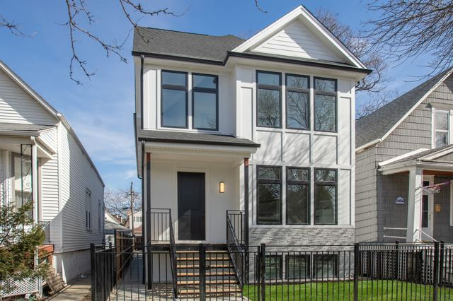 Photo for 2504 North Campbell Avenue, Chicago, IL 60647 (MLS # 10585079)