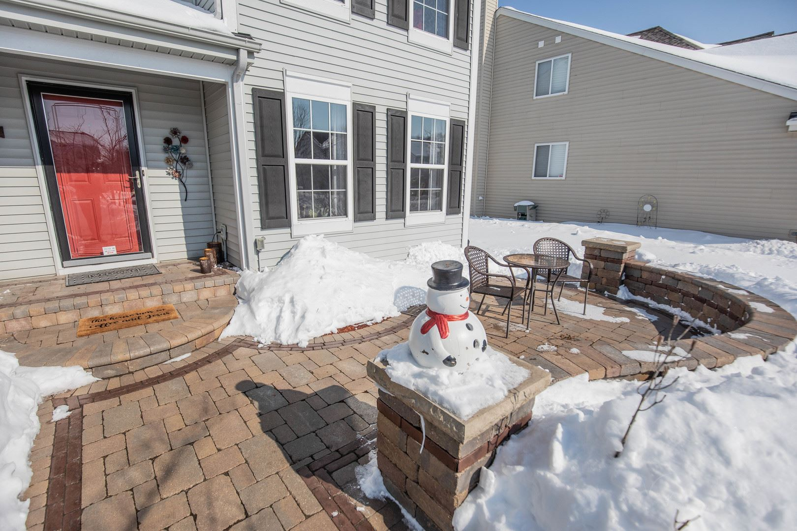 Photo of 3319 Winterberry Drive, Joliet, IL 60431 (MLS # 11000079)