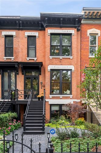 Photo of 552 W Fullerton Parkway, Chicago, IL 60614 (MLS # 11218081)