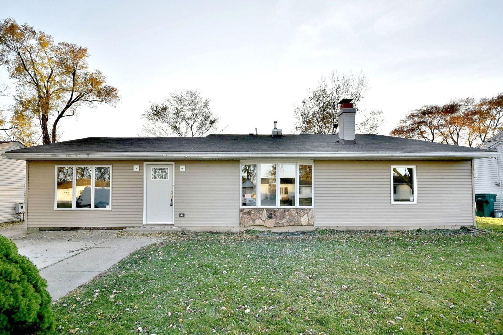Photo of 626 Fenton Avenue, Romeoville, IL 60446 (MLS # 10928081)
