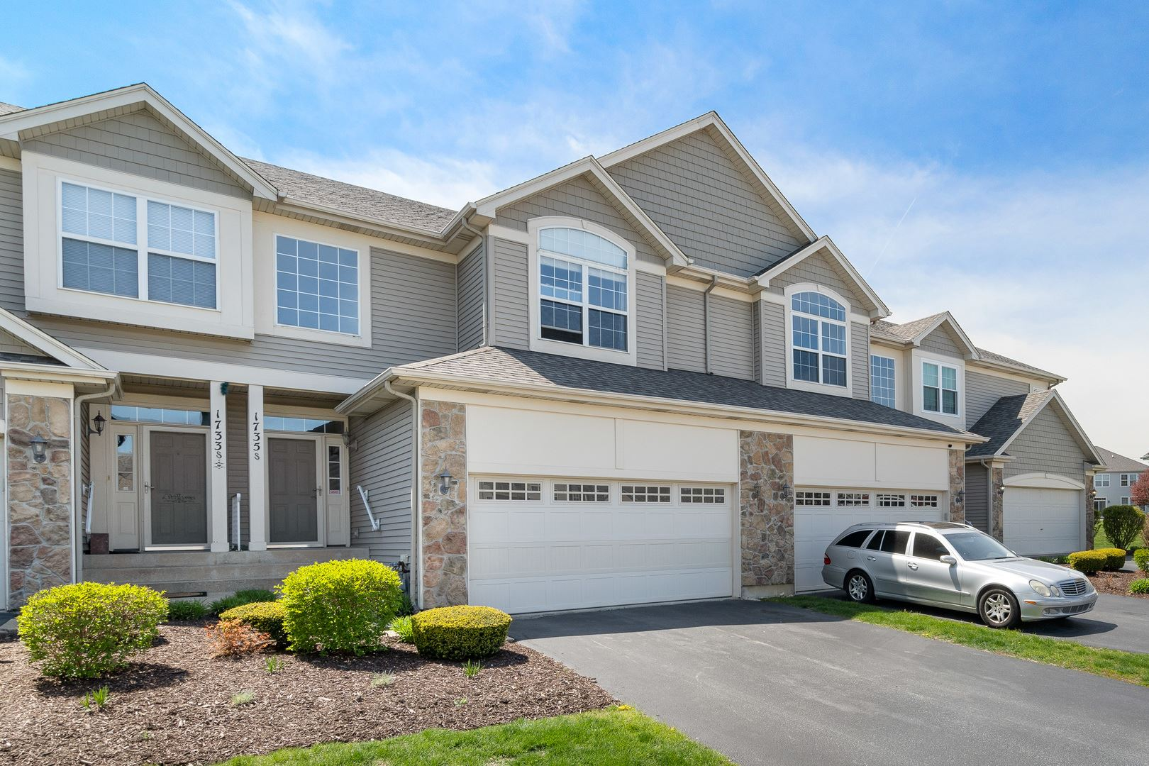 Photo of 1735 Fieldstone Drive S, Shorewood, IL 60404 (MLS # 11057081)
