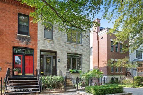 Photo of 2710 N DAYTON Street, Chicago, IL 60614 (MLS # 10847085)