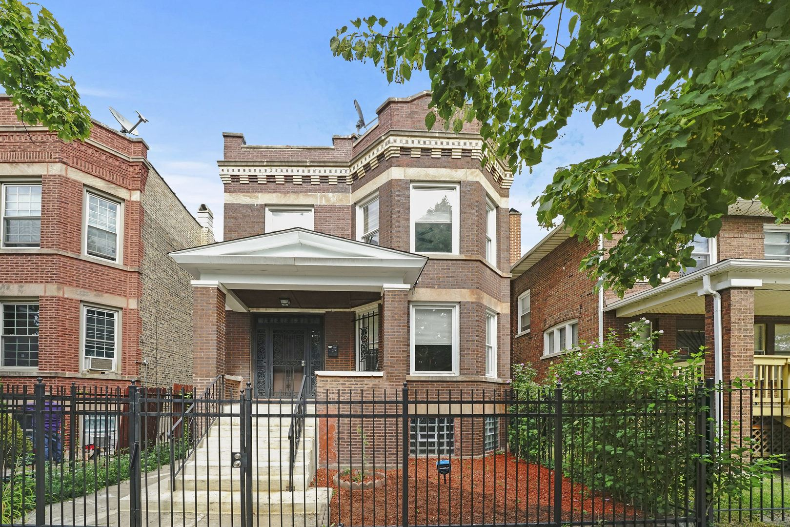 5919 S Maplewood Avenue, Chicago, IL 60629 - #: 10806086