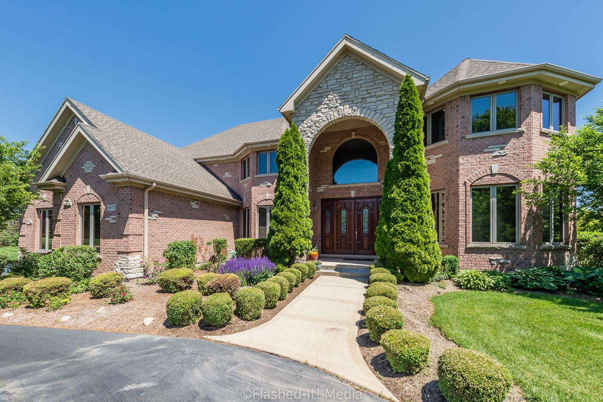9N771 OLD MILL Court, Elgin, IL 60124 - #: 10742089