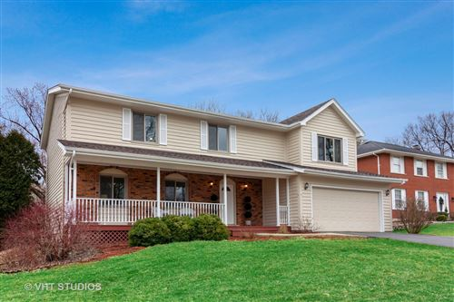 Photo of 3851 BELLEAIRE Drive, Downers Grove, IL 60515 (MLS # 10674090)