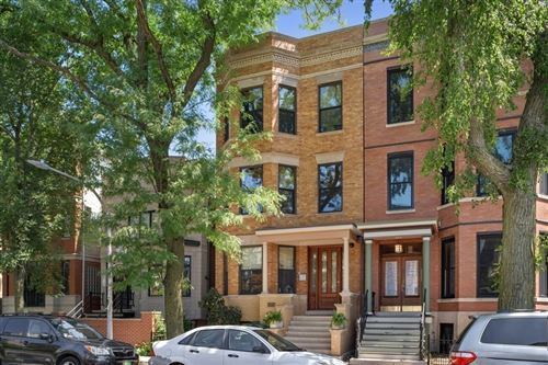 Photo of 3121 N Clifton Avenue, Chicago, IL 60657 (MLS # 10955091)