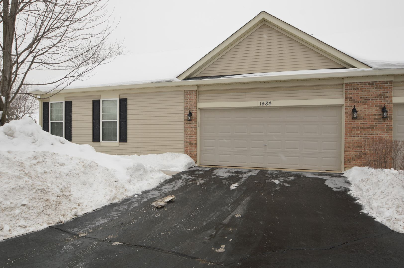 Photo of 1484 W Ludington Circle, Romeoville, IL 60446 (MLS # 10993093)