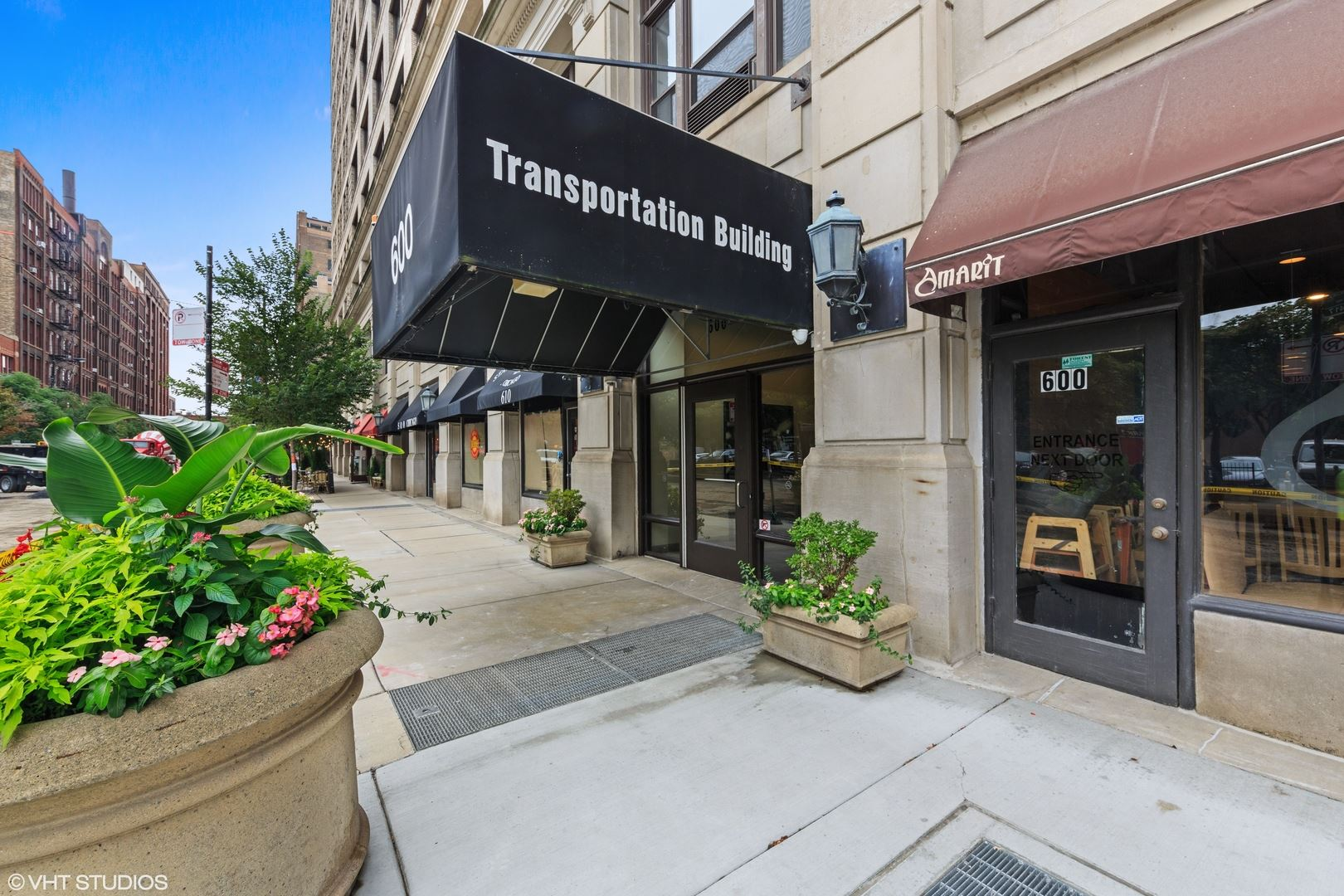 Photo for 600 S Dearborn Street #214, Chicago, IL 60605 (MLS # 10860098)