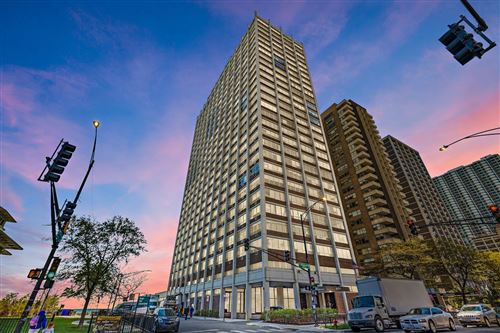 Photo of 6171 N SHERIDAN Road #909, Chicago, IL 60660 (MLS # 11090100)