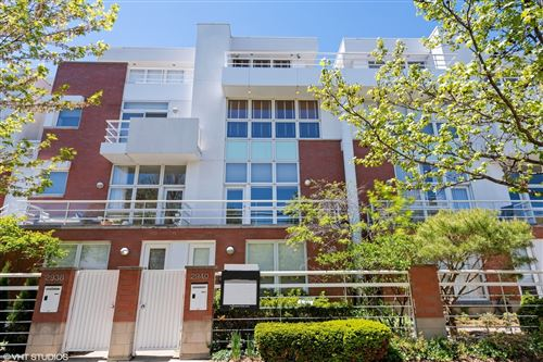 Photo of 2940 N HERMITAGE Avenue, Chicago, IL 60657 (MLS # 10995101)