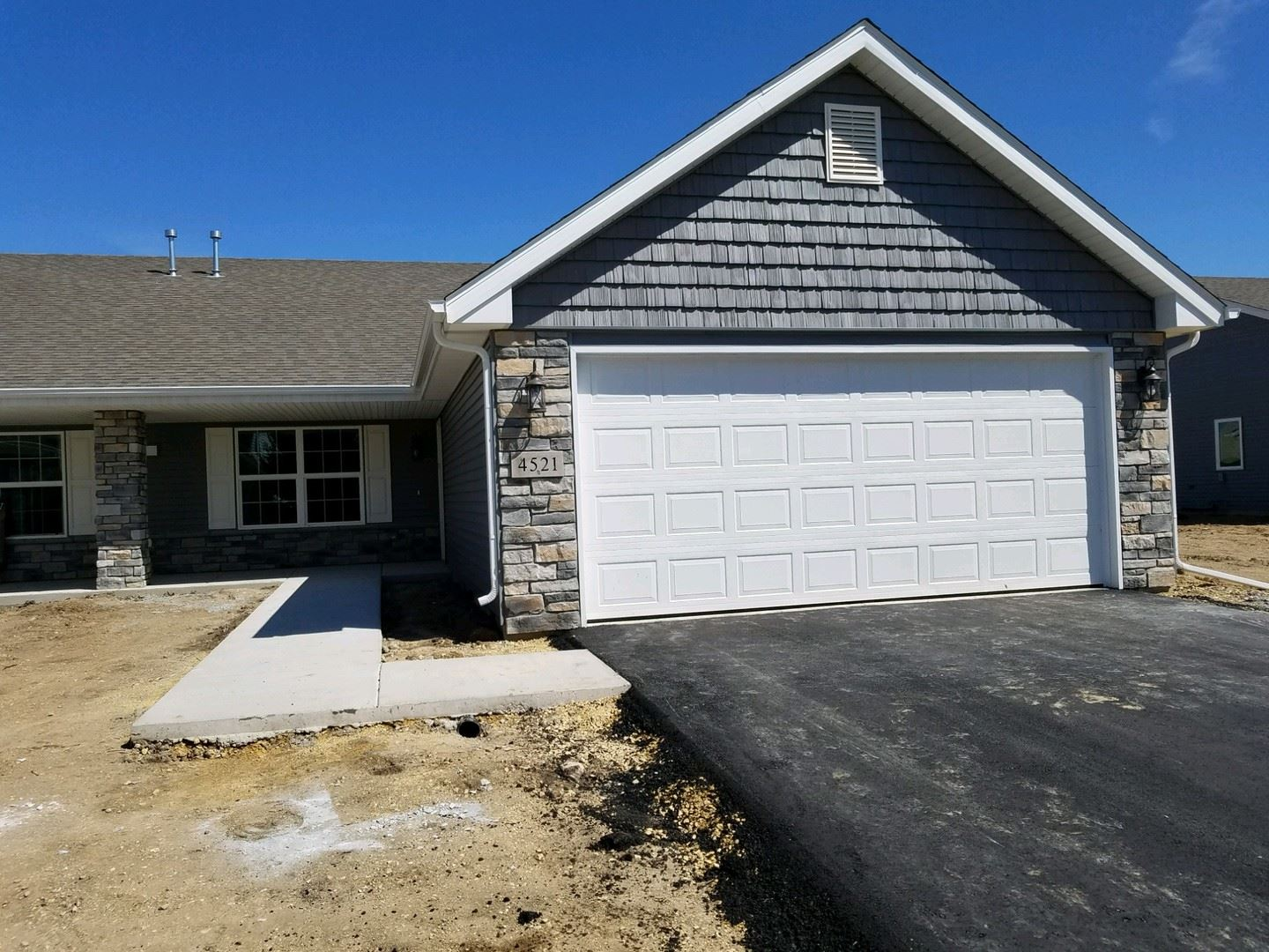 4521 Squaw Valley Drive #2, Loves Park, IL 61111 - #: 10640101