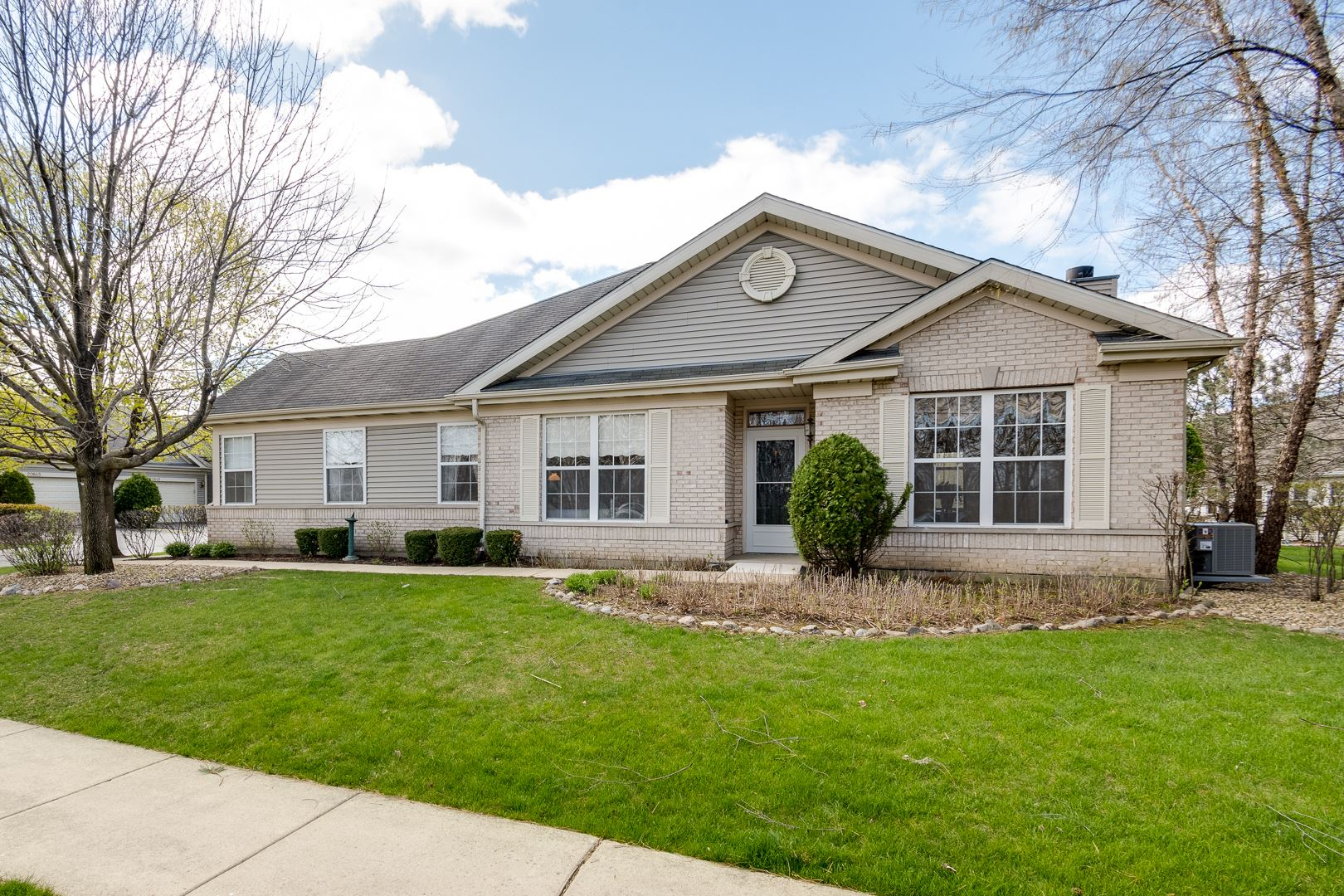 Photo of 20865 W Chinaberry Court, Plainfield, IL 60544 (MLS # 11053111)