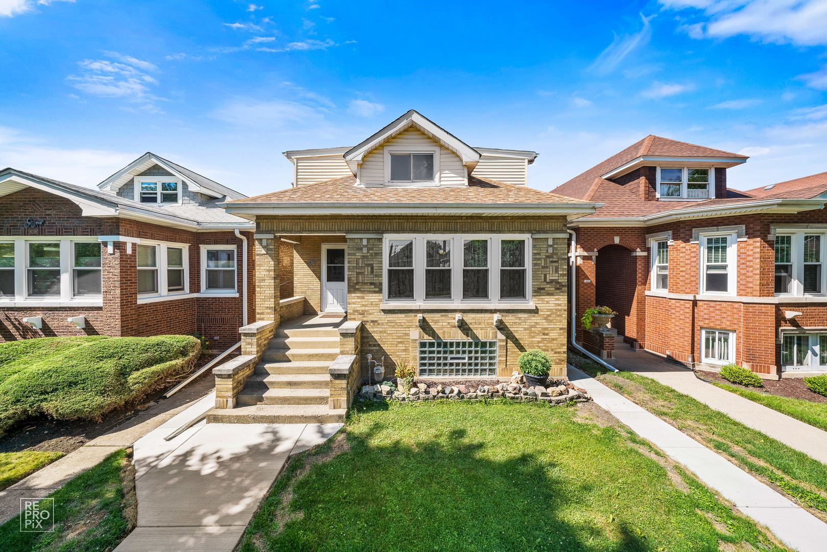 5436 W Cullom Avenue, Chicago, IL 60641 - #: 10792112