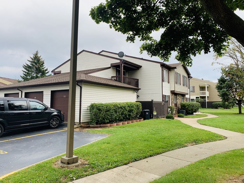 Photo of 7P Fernwood Drive #P, Bolingbrook, IL 60440 (MLS # 10945114)