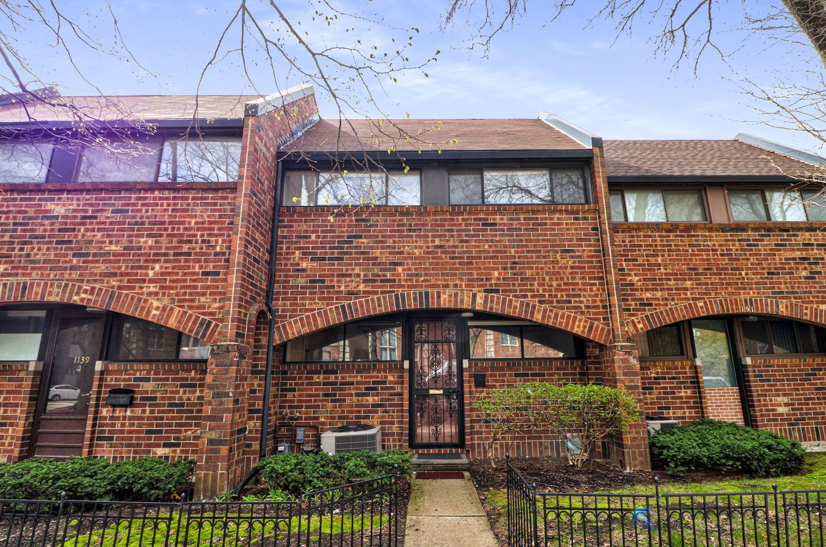Photo of 1145 W Polk Street, Chicago, IL 60607 (MLS # 11028115)