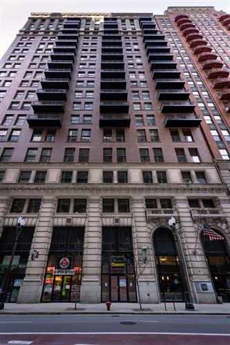 Photo of 212 W Washington Street #810, Chicago, IL 60606 (MLS # 11050117)