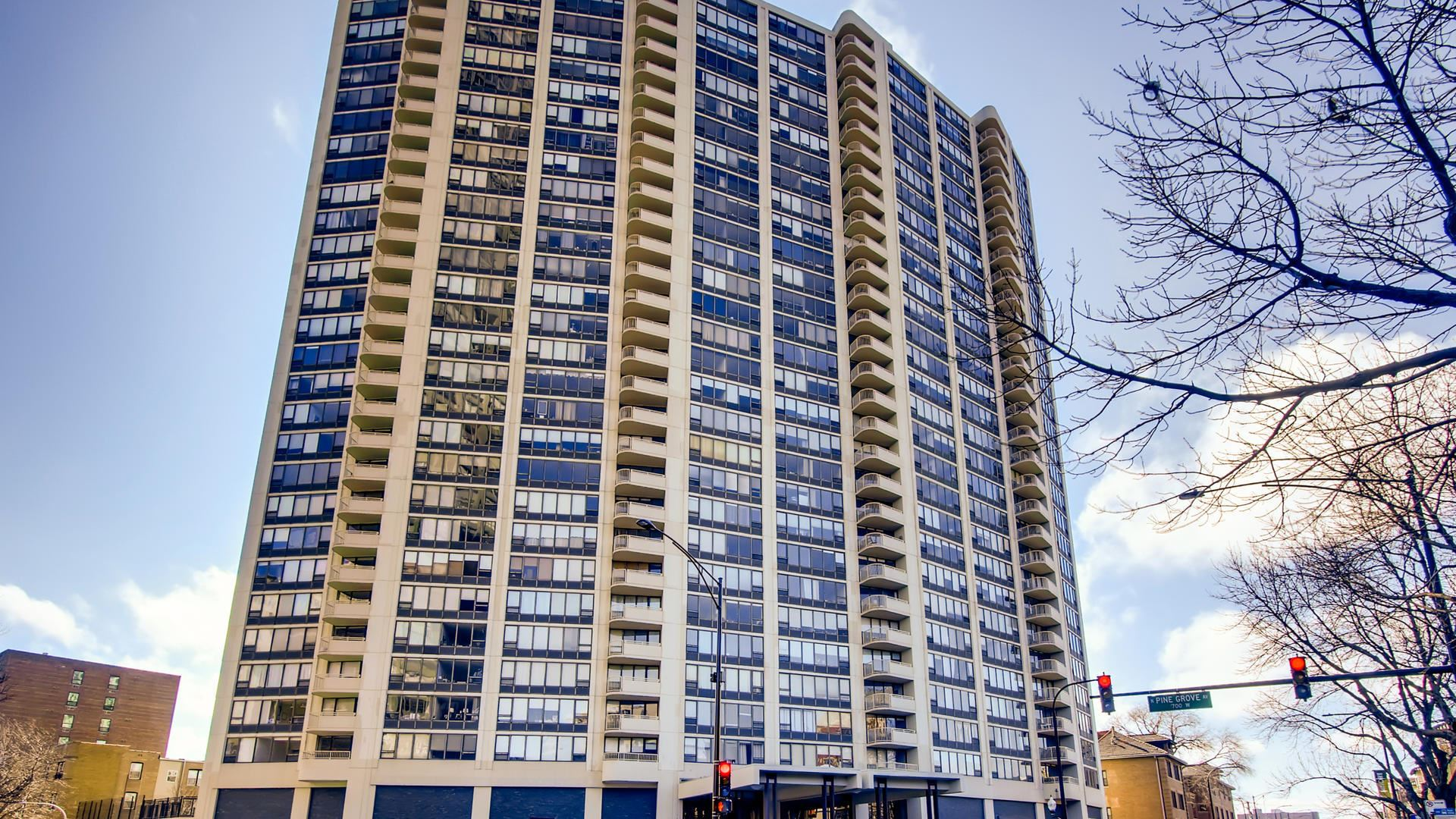 3930 N Pine Grove Avenue #1511, Chicago, IL 60613 - #: 10706120