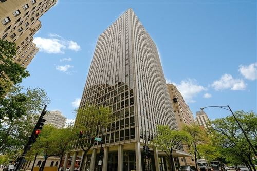 Photo of 2400 N Lakeview Avenue #2006, Chicago, IL 60614 (MLS # 11200122)