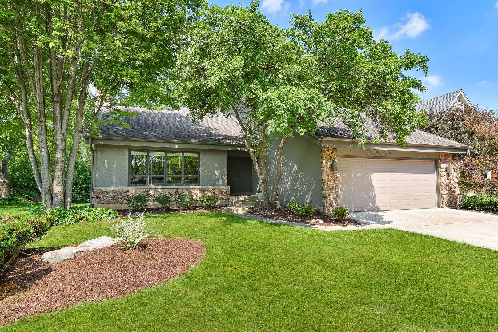 Photo of 2S004 Lakewood Lane, Wheaton, IL 60189 (MLS # 11119126)