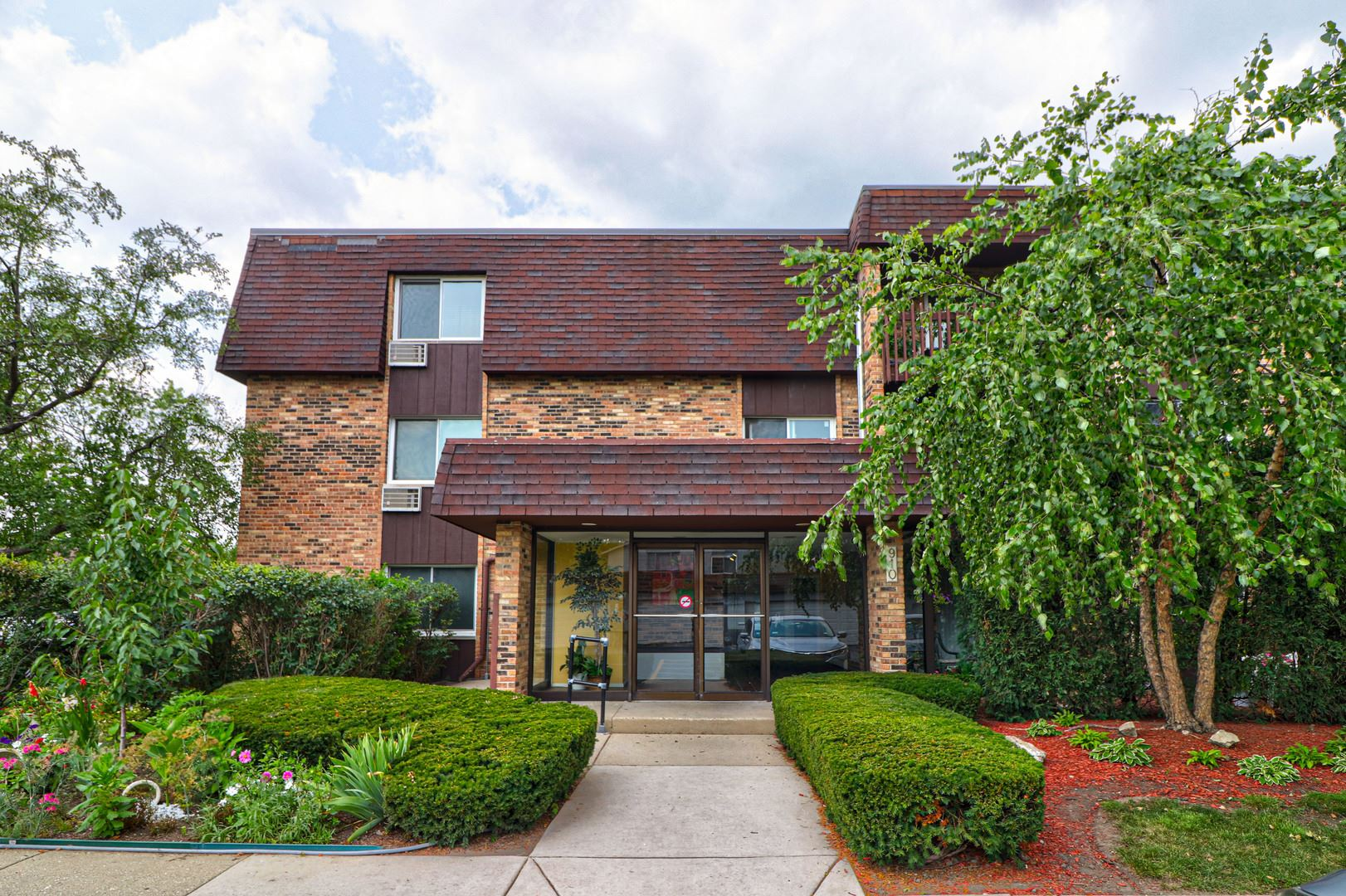 910 E Old Willow Road #110, Prospect Heights, IL 60070 - MLS#: 11227126
