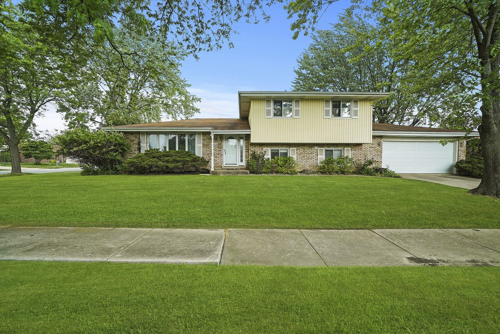 8826 Sycamore Court, Tinley Park, IL 60487 - #: 10743127